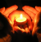 candle-in-hands2